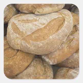 Pile de grands pains de pain sticker carré