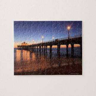 Pilier de Manhattan Beach au coucher du soleil, la Puzzle