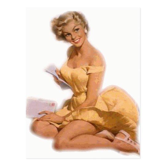 Pin classique de blonde vers le haut de fille carte postale