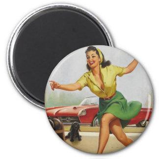 Pin de bowling vers le haut de fille magnet rond 8 cm