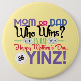 Pin méga heureux de bouton de Yinz du jour de mère Pin's