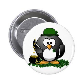 Pingouin chanceux avec le pot d'or pin's
