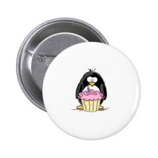 Pingouin d anniversaire avec le petit gâteau pin's