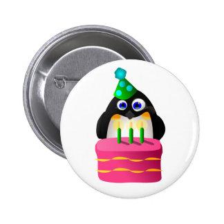 Pingouin d'anniversaire avec le gâteau pin's