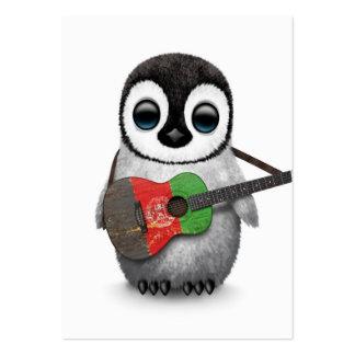Pingouin de bébé jouant la guitare afghane de carte de visite