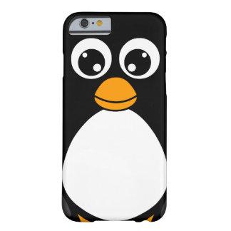 Pingouin mignon de bande dessinée noir et blanc coque iPhone 6 barely there