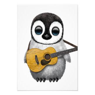 Pingouin musical de bébé jouant la guitare cartons d'invitation