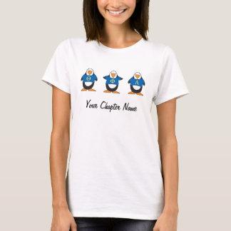Pingouins avec des chemises t-shirt