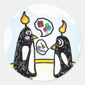 Pingouins de gâteau d'anniversaire d'autocollants sticker rond