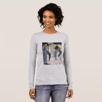 Pingouins d'empereur sur la glace t-shirt à manches longues