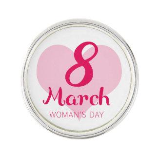 Pin's 8 mars le jour des femmes roses de coeur