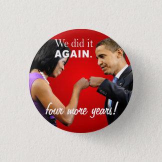 Pin's Bosse de poing de victoire de Barack et de