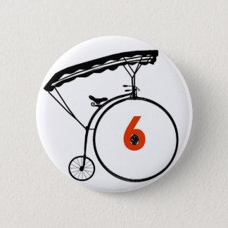 Pin's Bouton du numéro 6 - le prisonnier - bicyclette
