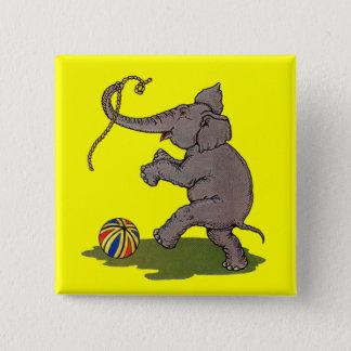 Pin's éléphant heureux jouant avec la corde et la boule