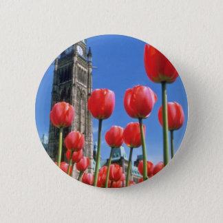 Pin's Festival canadien blanc de tulipe, tour de paix