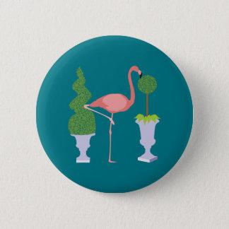 Pin's Flamant rose dans le jardin topiaire