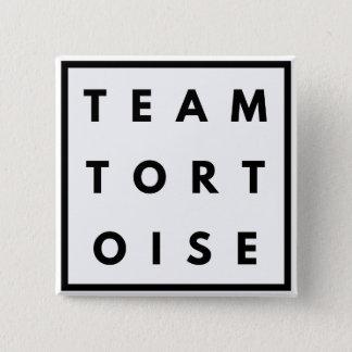 Pin's Insigne carré drôle de tortue d'équipe