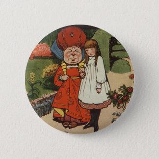 Pin's La duchesse marchant dans les jardins avec Alice