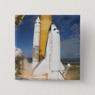 Pin's La navette spatiale l'Atlantide enlève 12