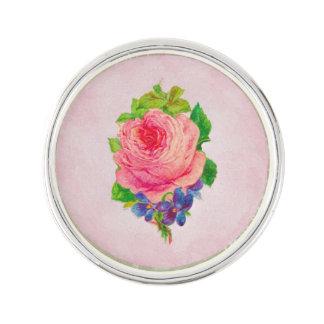 Pin's Le beau cru rose s'est levé le brin assez violet