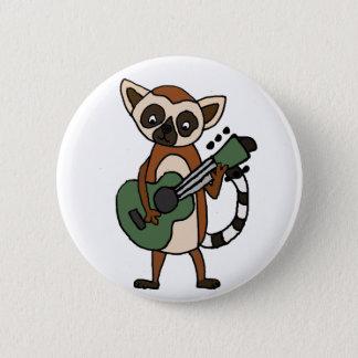 Pin's Lémur drôle jouant l'art de guitare