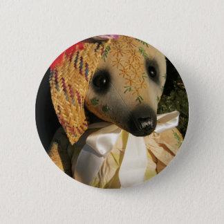 """Pin's L'objet de collection d'Amy Goodrich """"a brodé"""