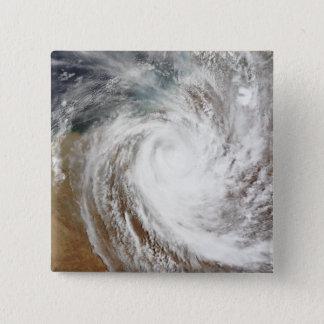 Pin's Mouvements de Laurence de cyclone loin à intérieur