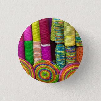 Pin's Paniers colorés au marché