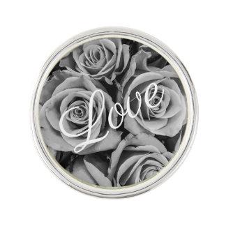 Pin's Pin monochromatique de revers d'amour de roses