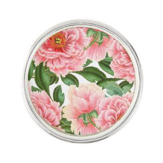 Pin's Pivoines roses sur le blanc