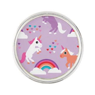 Pin's Pourpre mignon d'arc-en-ciel de licorne