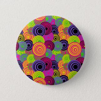 Pin's Rétro bouton coloré de cercles
