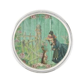 Pin's Scène rustique de lapin de Pâques peinte par cru