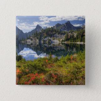 Pin's WA, région sauvage alpine de lacs, lac gem, avec