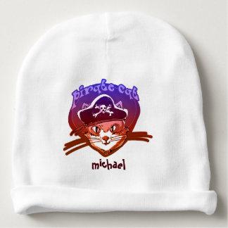 piratez le minou doux de chat avec la bande bonnet de bébé
