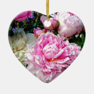 Pivoines roses et blanches ornement cœur en céramique