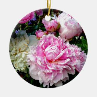 Pivoines roses et blanches ornement rond en céramique