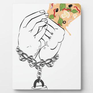 Pizza et mains savoureuses de bande dessinée impression sur plaque