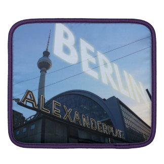 Place d'Alexander de Berlin poste with TV Tower Housses iPad
