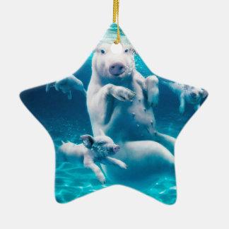 Plage de porc - porcs de natation - porc drôle ornement étoile en céramique