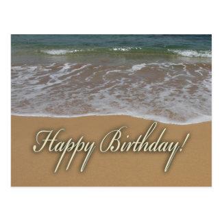 Plage de sable de joyeux anniversaire carte postale