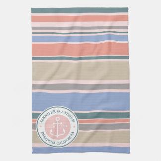 Plage nautique de rose à la mode de rayures de serviette éponge