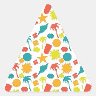 Plage, soleil, boissons et palmiers de style d'été sticker triangulaire