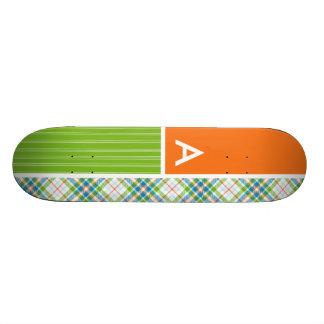 Plaid vert et orange skateboards personnalisés