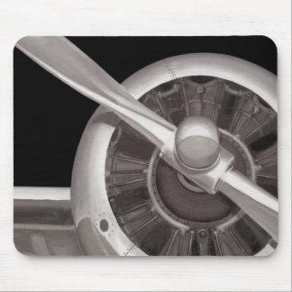 Plan rapproché de propulseur d'avion tapis de souris