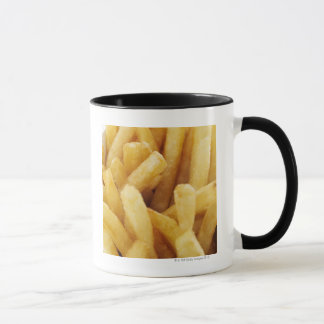 Plan rapproché des pommes frites mugs