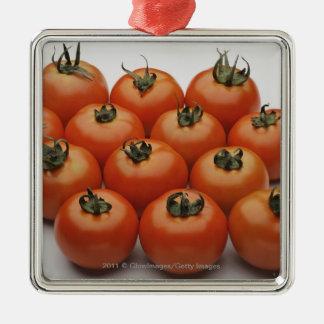 Plan rapproché des tomates ornement carré argenté