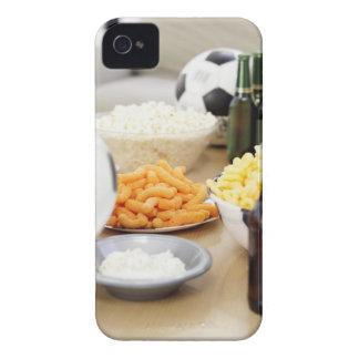 plan rapproché d'un à télécommande avec des coque Case-Mate iPhone 4