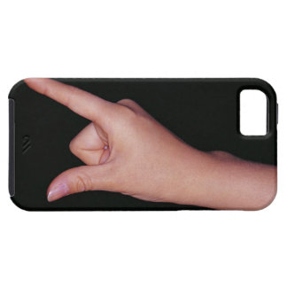 Plan rapproché d'une main avec le doigt et le iPhone 5 case
