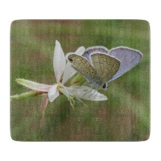 Planche À Découper Butterfy bleu marin sur la fleur de Gaura